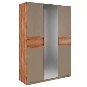 Шкаф трехдверный с зеркалом в спальню Рамона